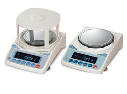 Precision balances FX series models with internal calibration, dust and water protection acc. to IP 65, 0,01 g, 3200 g, FZ-3000i-WP